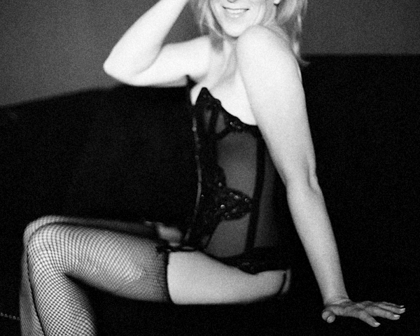 miss-l-lavish-boudoir.png