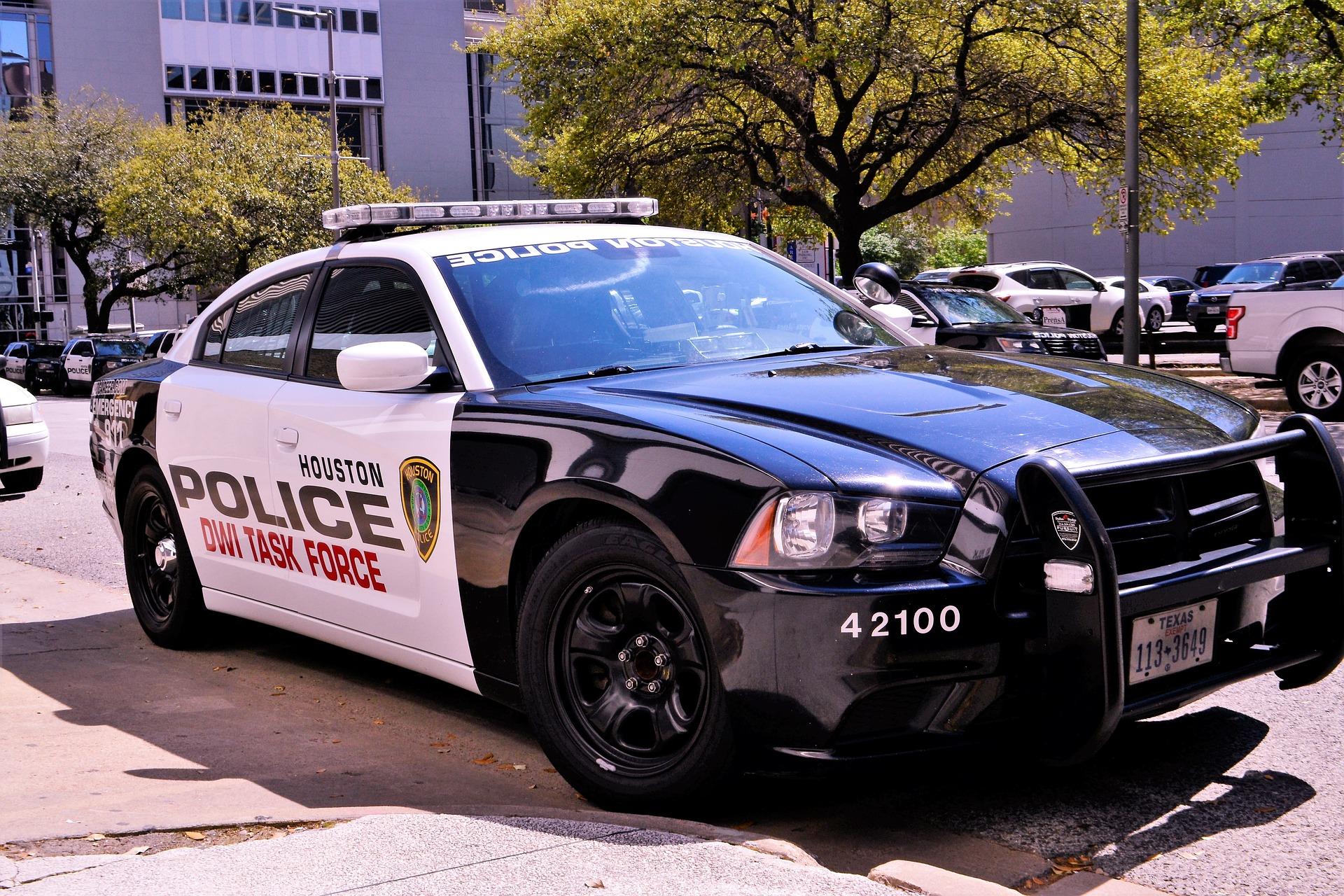 police-3274553_1920.jpg