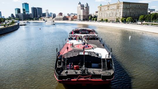 BudBoat_Moskou_credits-ArturPogosyan.jpg