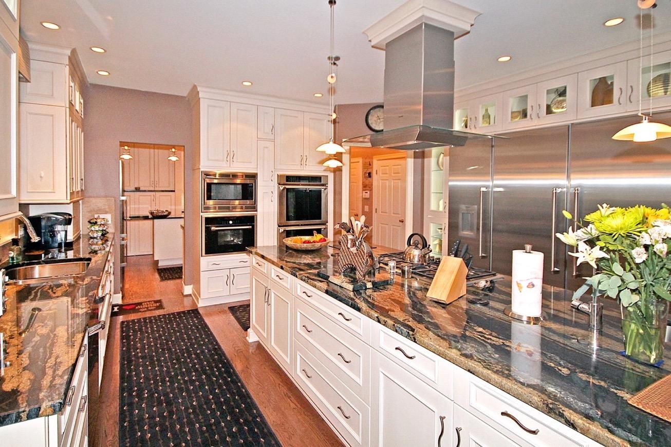 kitchen1_edit.jpg