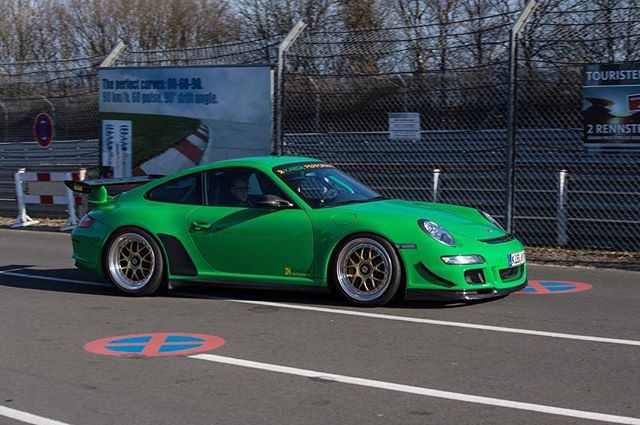 What a great color and track build for the Nürburgring.  #kaege #nurburgring #carswithoutlimits #amazingcars247 #porsche #porsche911 #gt3rs @porscheartdaily @classic_porsche @911legendsneverdie @lovenurburgring @nurburgringnow