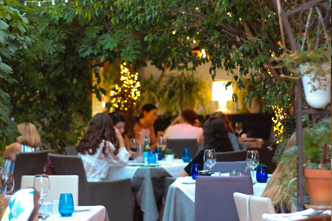 Diseño web de restaurante con video corporativo y fotografía - Restaurante Oustau de Altea