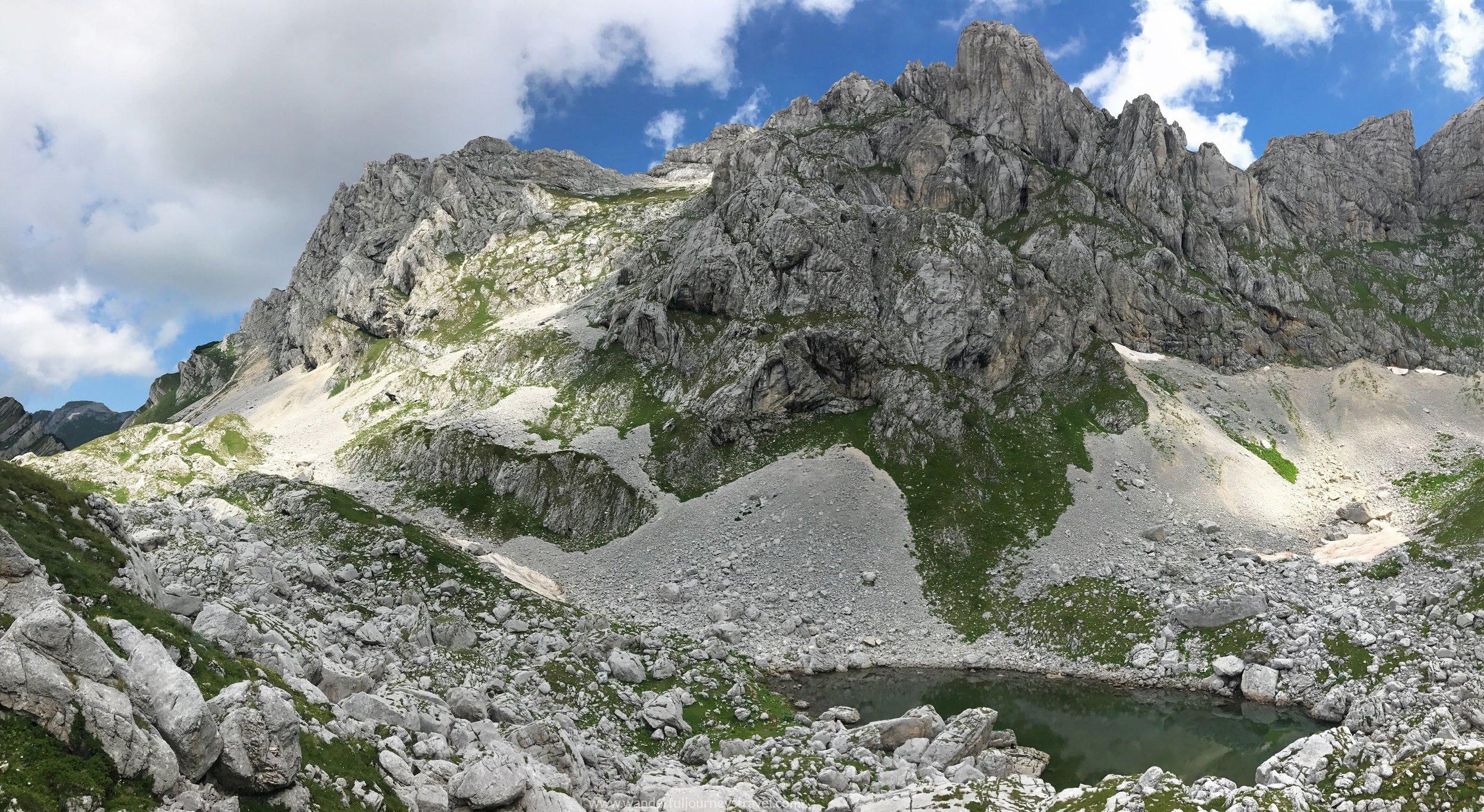 bobotov-kuk-sedlo-lake-pano-view-montenegro.jpg