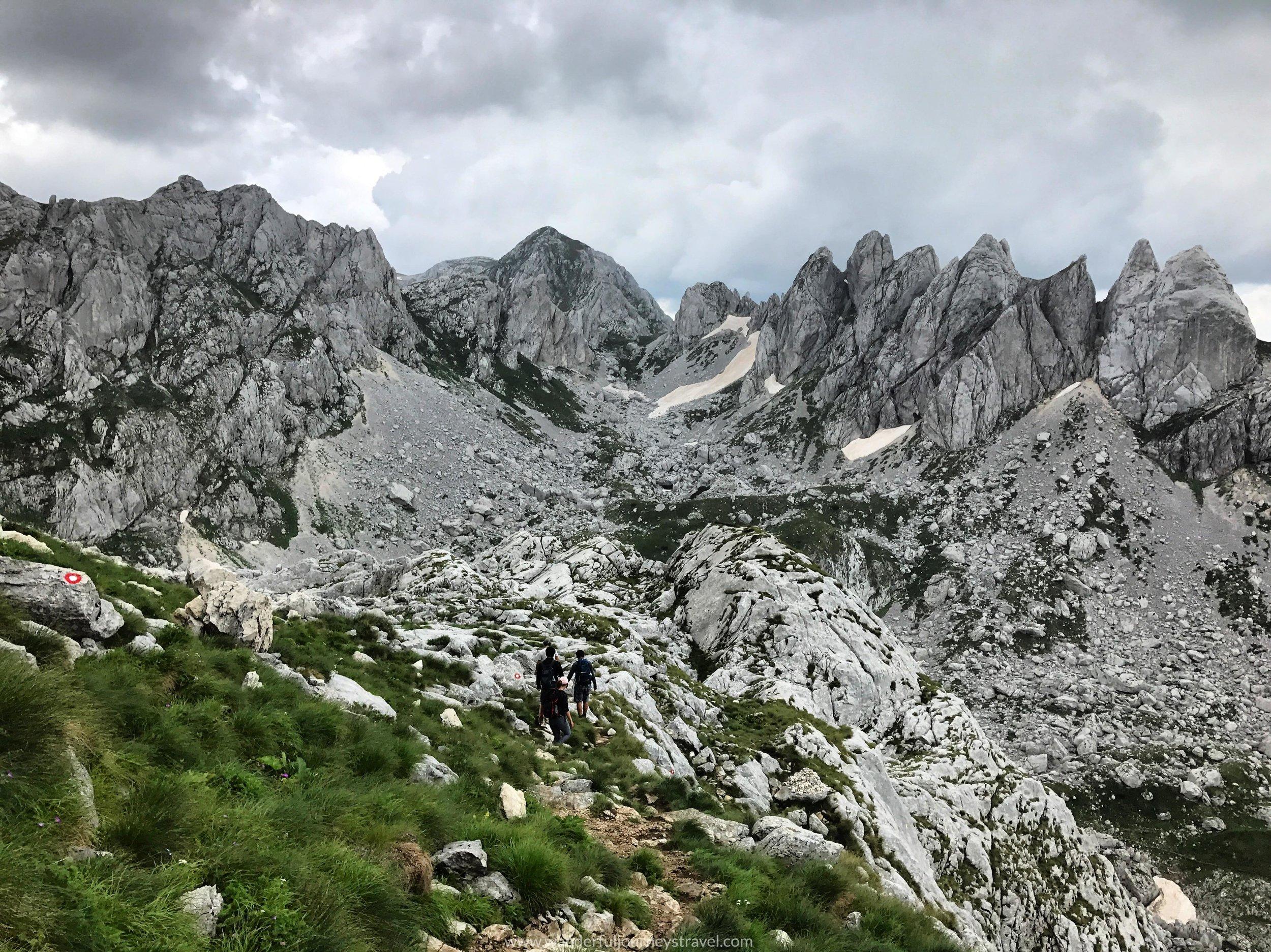 trail-view-bobotov-kuk-montenegro-durmitor-descent.jpg