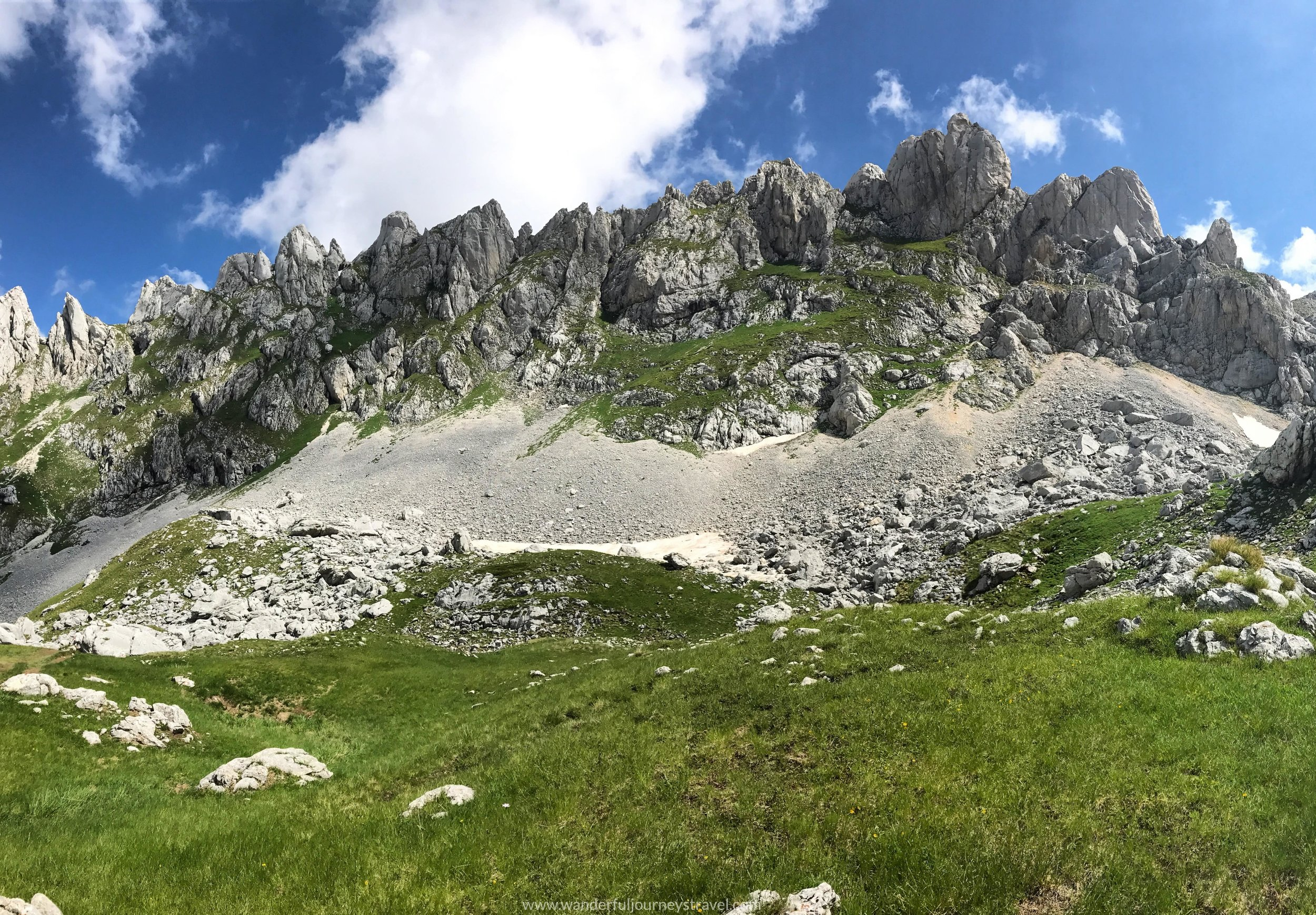 sedlo-trail-pano-view-bobotov-kuk-montenegro-durmitor.jpg