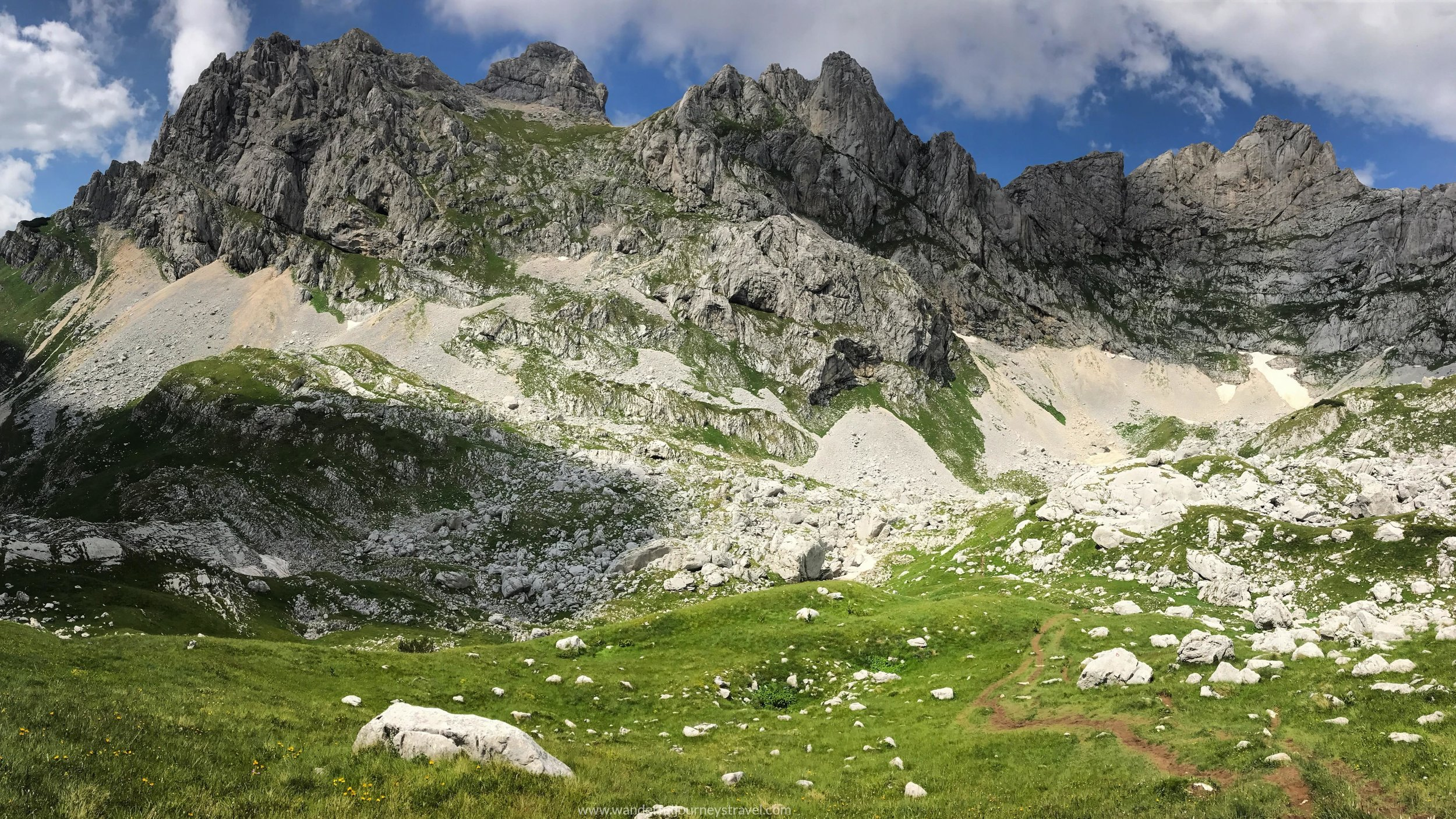 sedlo-view-hike-bobotov-kuk-montenegro-durmitor.jpg