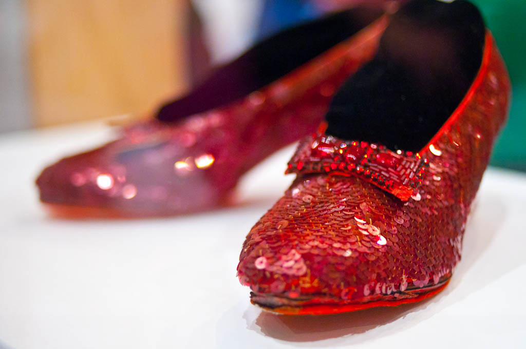 Smithsonian_National_Museum_of_American_History_-_Dorothy_Ruby_Slippers_(6269207855).jpg