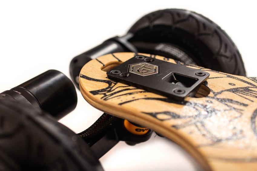Evolve_Skateboards_Bamboo_GT_Series_All_Terrain_1_850x.jpg
