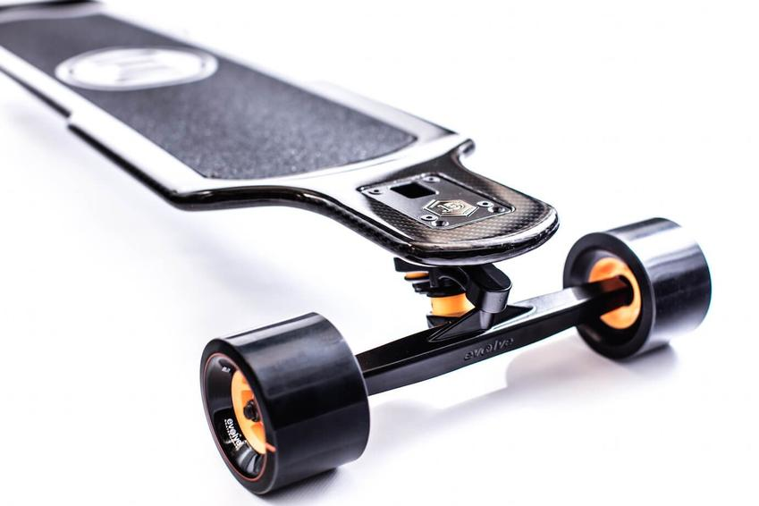 Evolve_Skateboards_GT_Carbon_Series_Street_Electric_Skateboard_9_850x.jpg