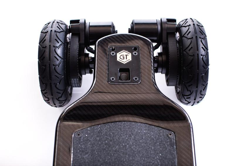 Evolve_Skateboard_GT_Carbon_Series_AT_Electric_Skateboard_7_850x.jpg