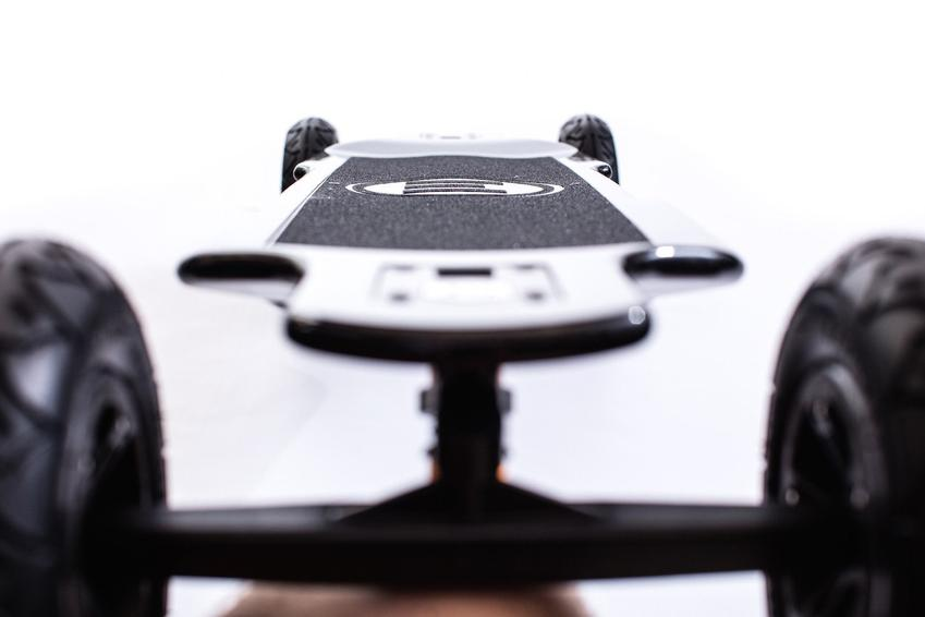 Evolve_Skateboard_GT_Carbon_Series_AT_Electric_Skateboard_9_850x.jpg