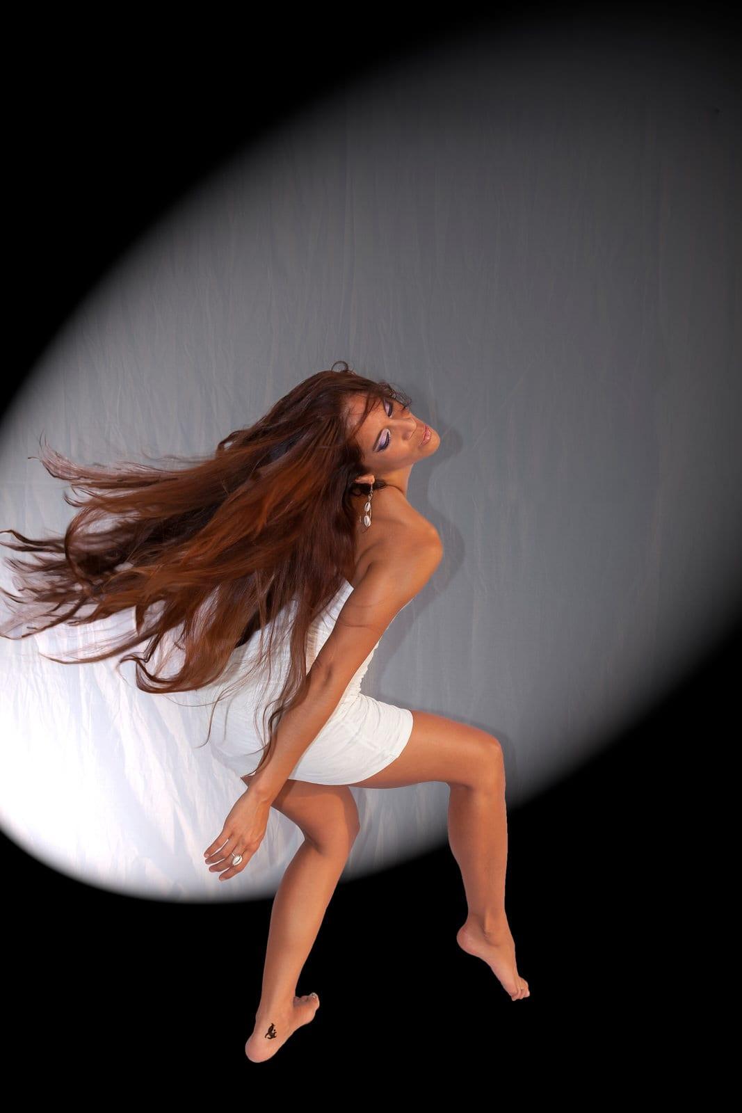Michal-step-spotlight-dancer-photographer-Hawaii.jpg