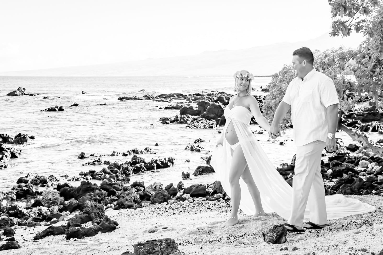 Big-Island-Maternity-Photographer-Luxury-Timeless-Hawaii-8.jpg