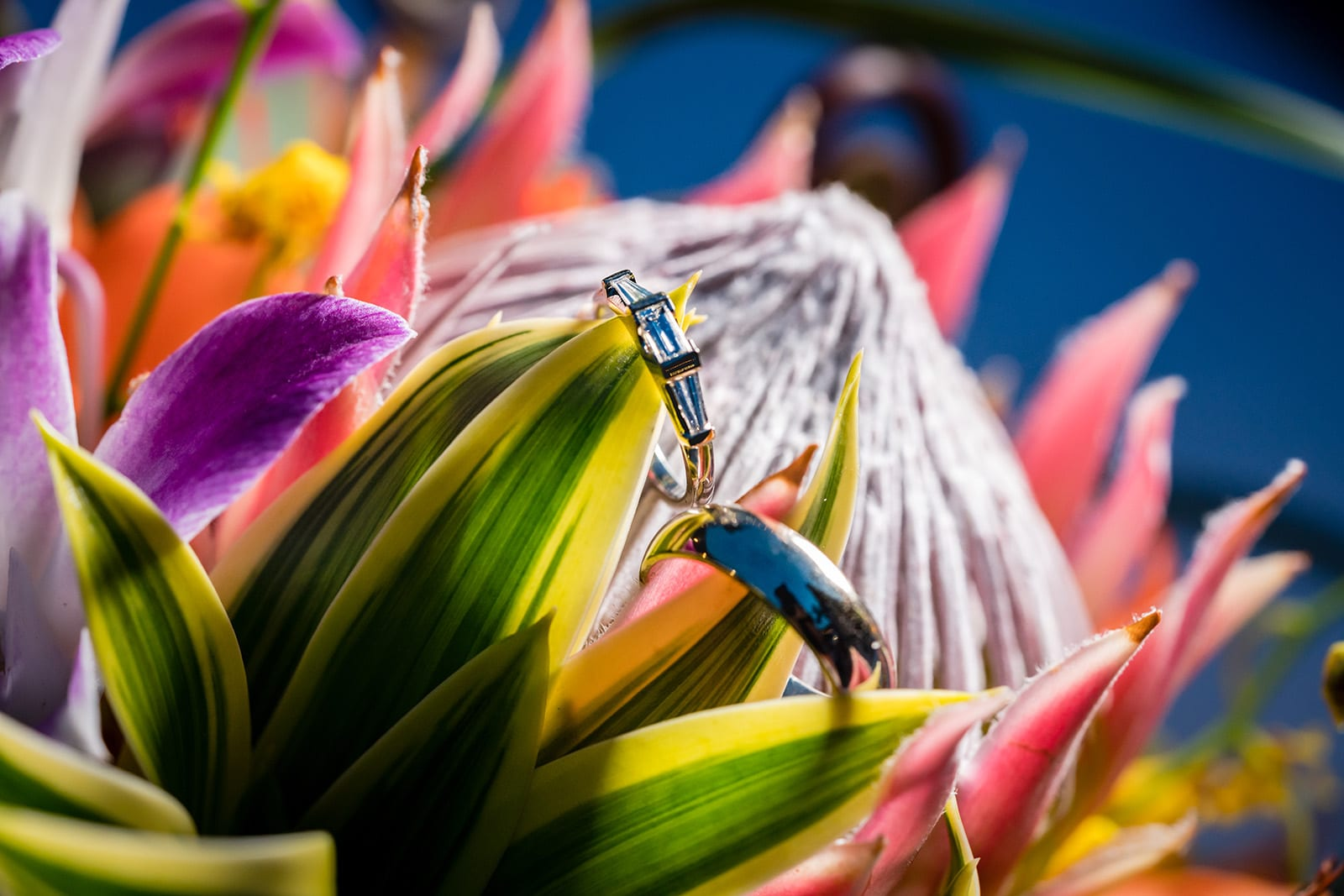 Hawaii-Wedding-Photographer-Ring-Details-Engagement-Ring-Off-camera-flash-macro-3.jpg