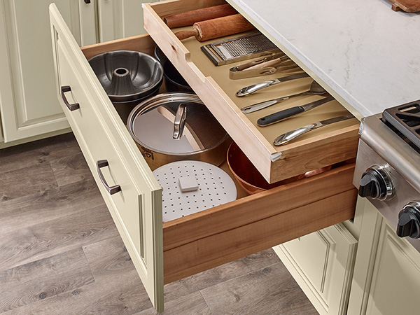 SCALLOPED DEEP ROLL OUT TRAY