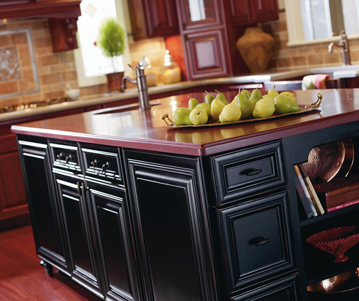 traditional_kitchen_island_cabinets_in_blackberry_finish.jpg