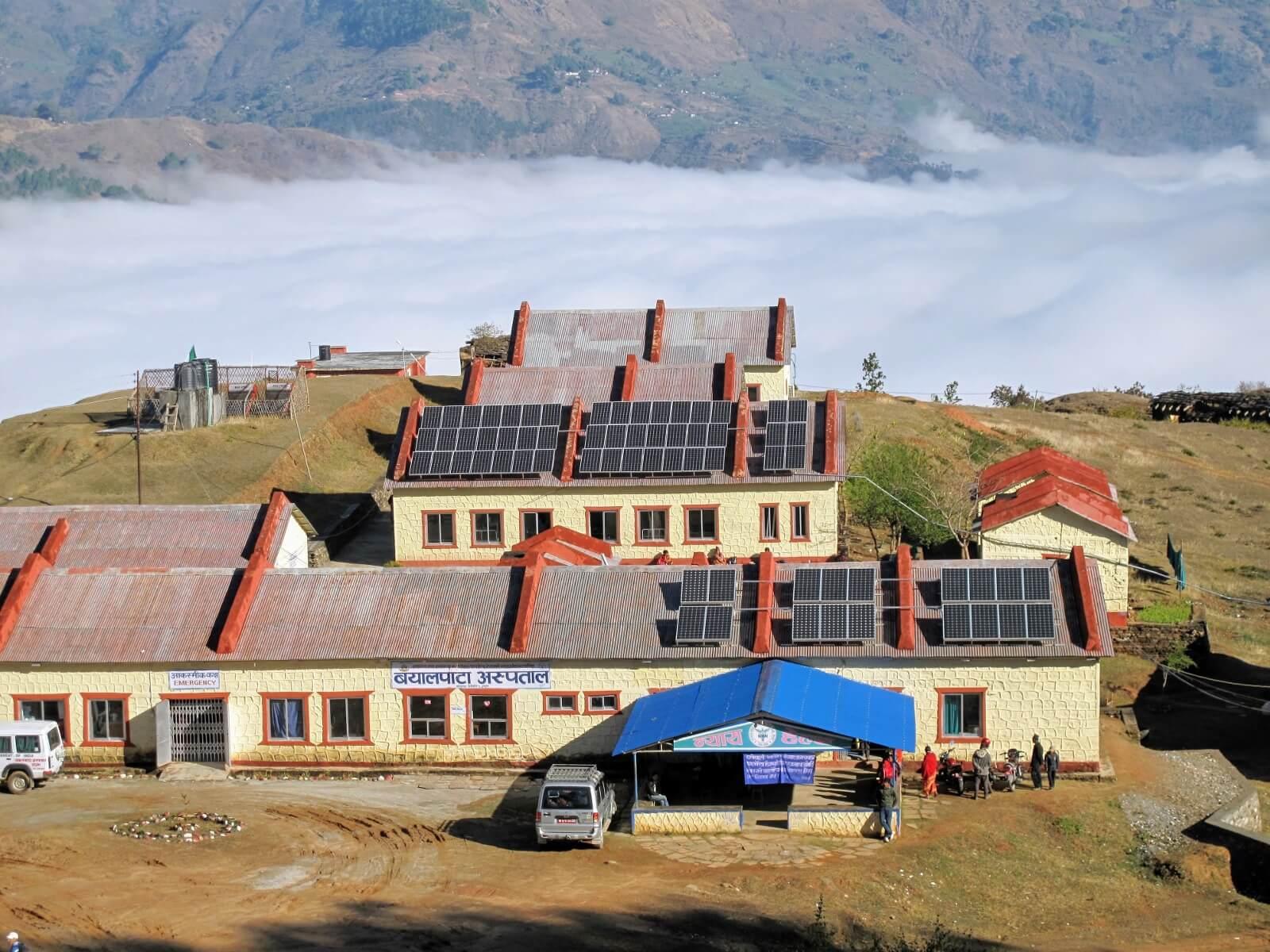 volunteering solar in nepal.jpeg