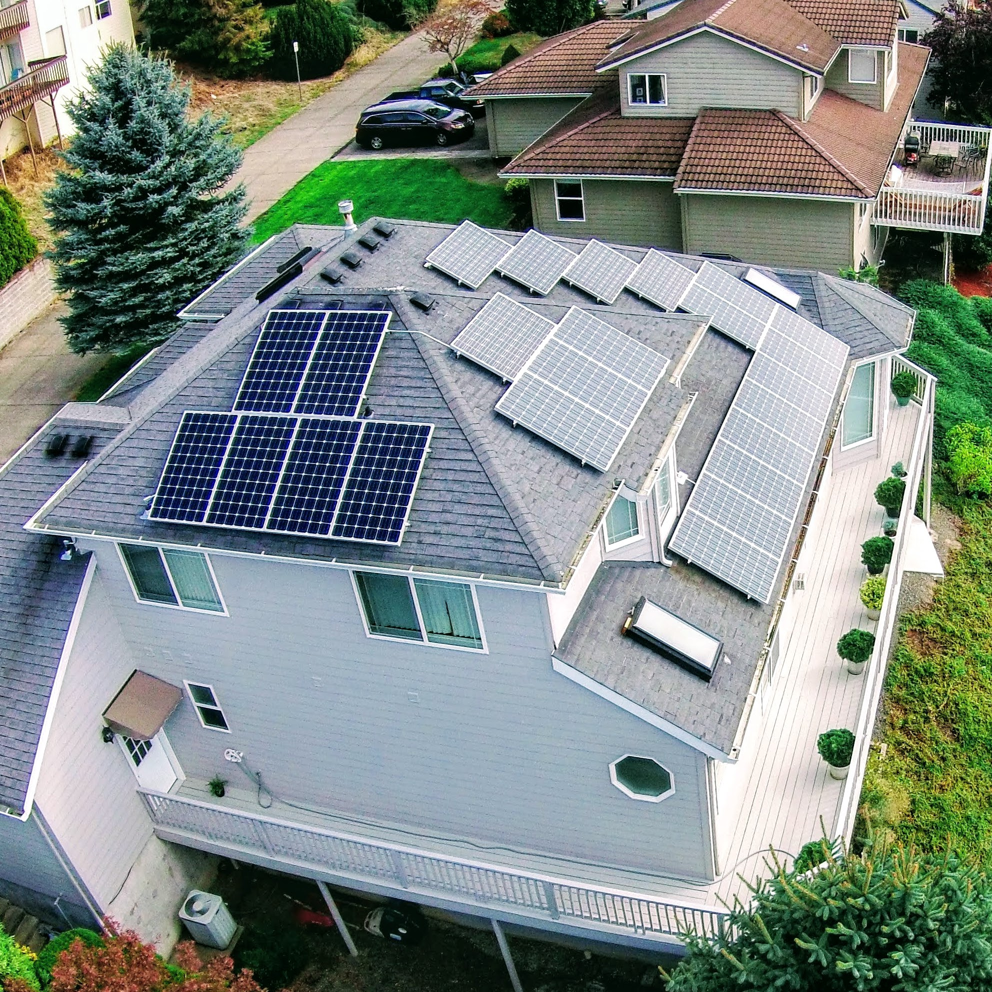complex-home-solar-pv-array.JPG
