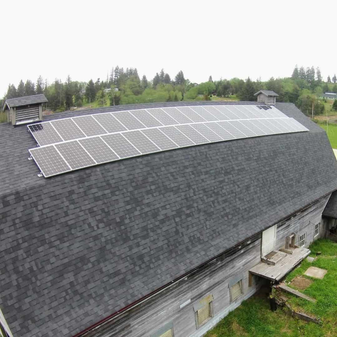 rural-barn-solar-energy-system.jpeg