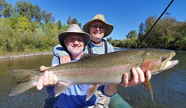 Couldn't get those eyes open but at least he can set the hook like no tomorrow!! Love getting out with our friends in the fall, thanks Nick and Dave Anderson for a great day of fishing. If you wanna come have some fun on the river, contact us through our website oregonflyfish.com #snkguideservice #flyfishing  #oregonflyfish #southernoregonsteelhead