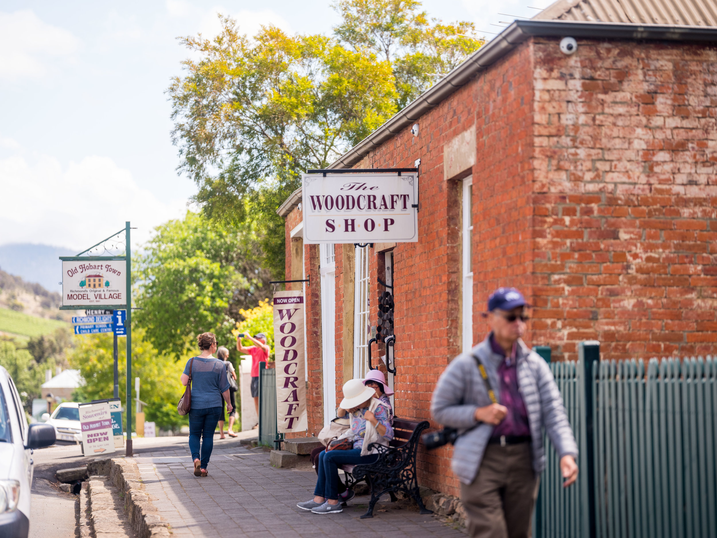 There are plenty of art, craft & bric-brac shops at Richmond Village, all within a short walk of the town center.