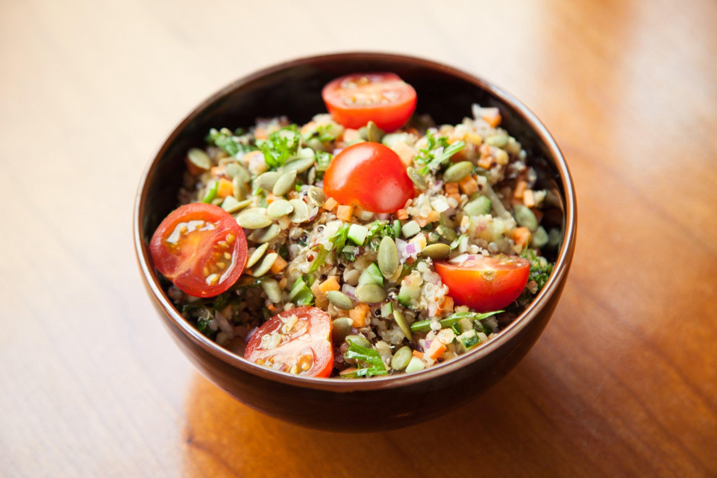 キヌア&レンティル豆サラダ。Quinoa & Lentil Salad