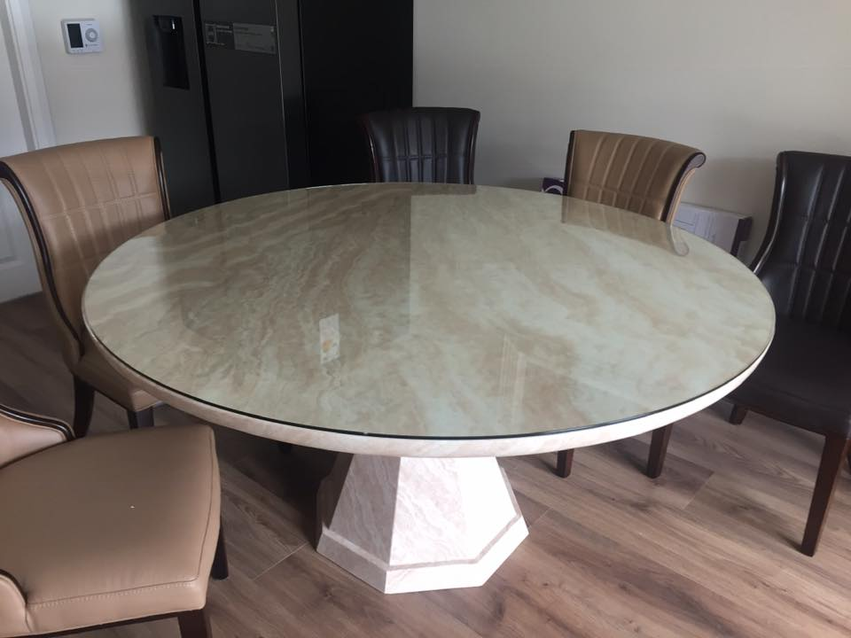 Glass table tops are an innovative way of protecting your table against every day war and tear. Well Done Glazing have got you covered and will customize your table top to an exact fit. Ensuring that your table stay scratch free.