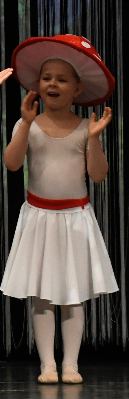 ballettschule-mimi-schmaeh-schneewittchen-180723-155413.jpg