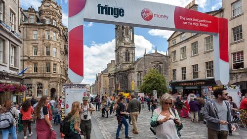 edinburgh+fringe+royal+mile.jpg