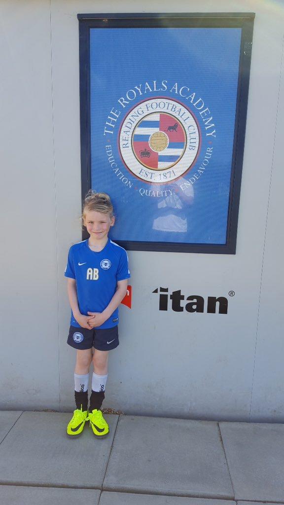 Club GK - Goalkeeping School in Peterborough - Darren Gibbons - Goalkeeper Coach