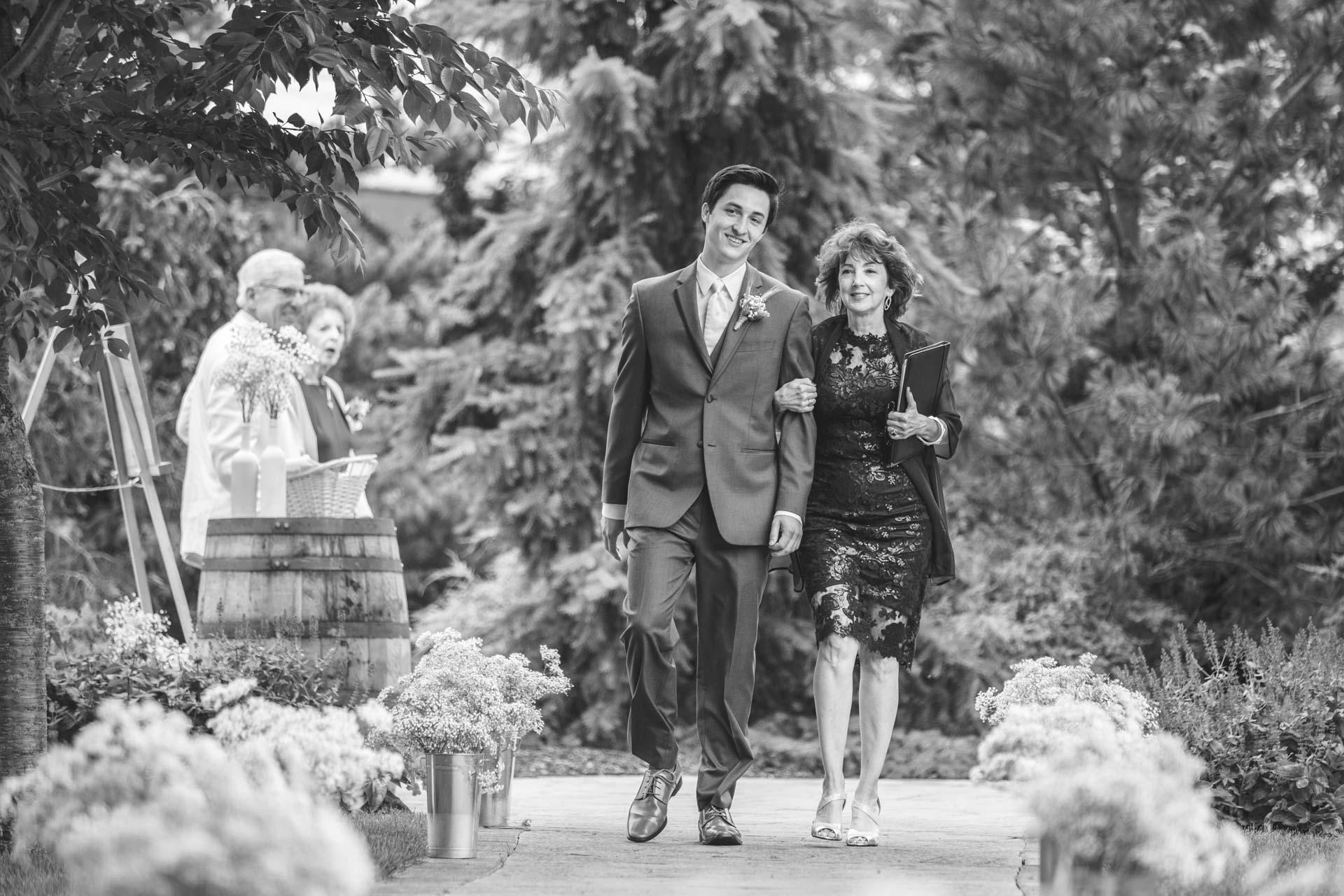 Farmington-Gardens-Wedding-Photos (28 of 66).jpg