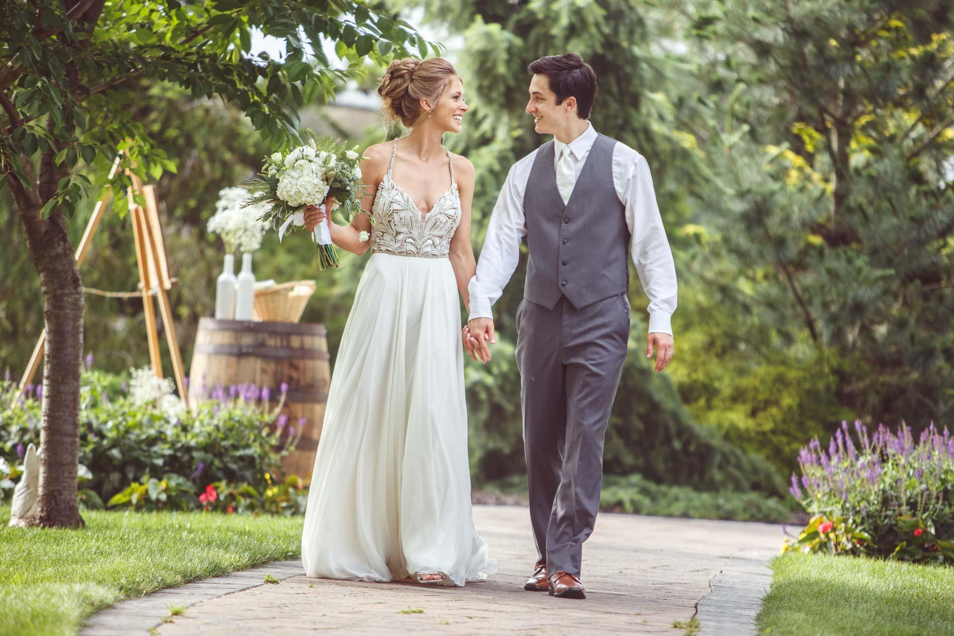 Farmington-Gardens-Wedding-Photos (40 of 66).jpg