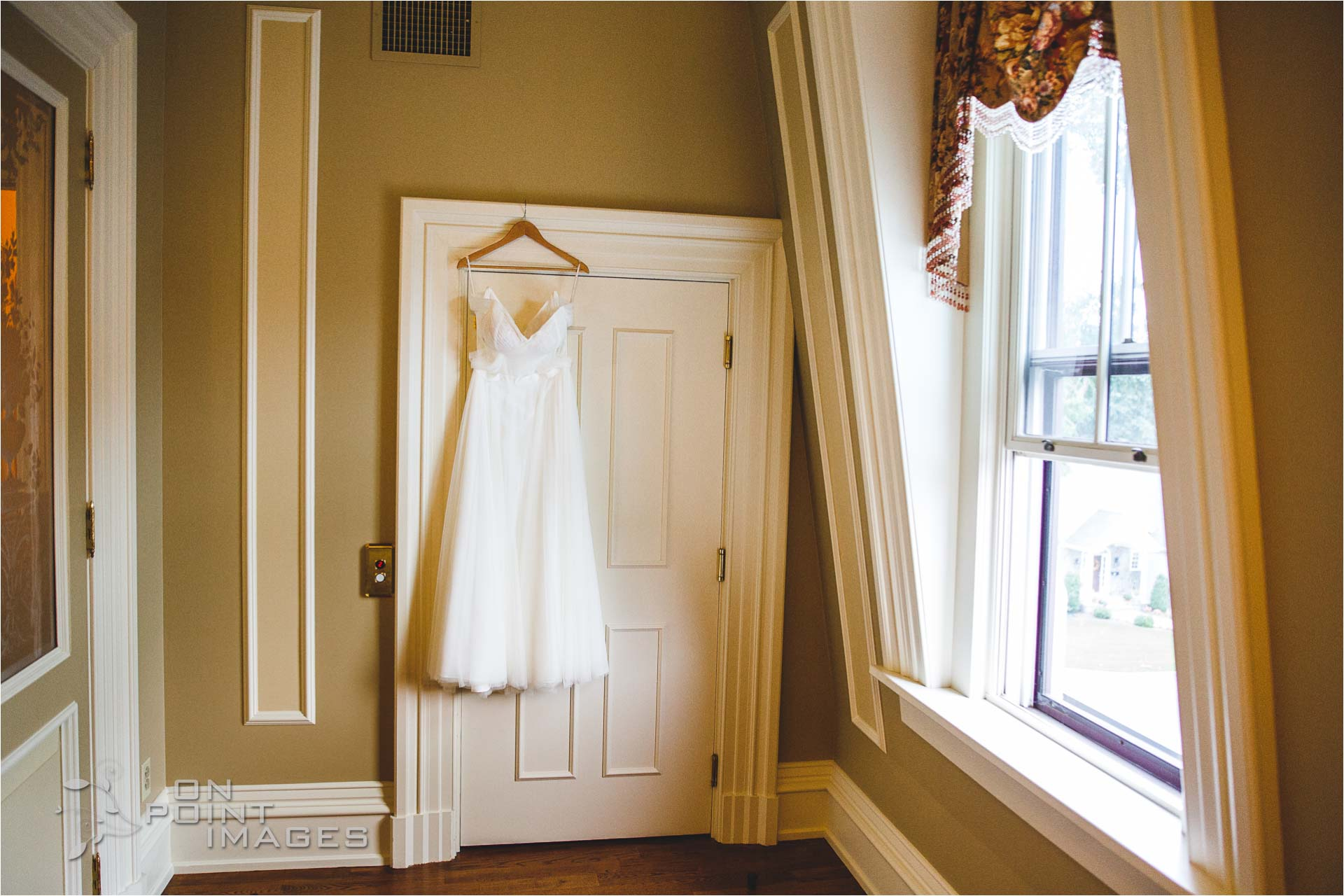 webb-barn-wedding-photography-silas-robbins-house-02.jpg
