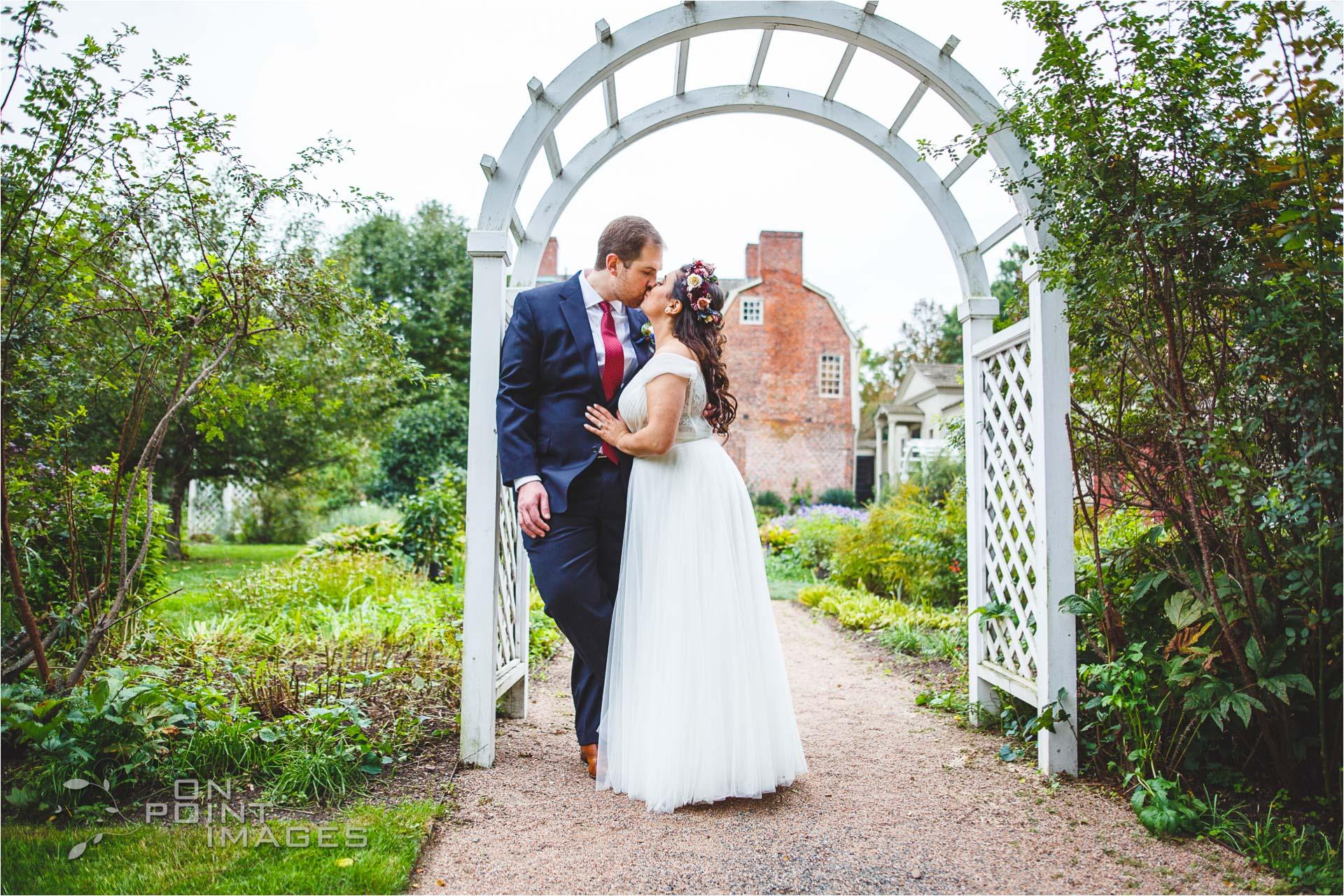 webb-barn-wedding-photography-silas-robbins-house-24.jpg