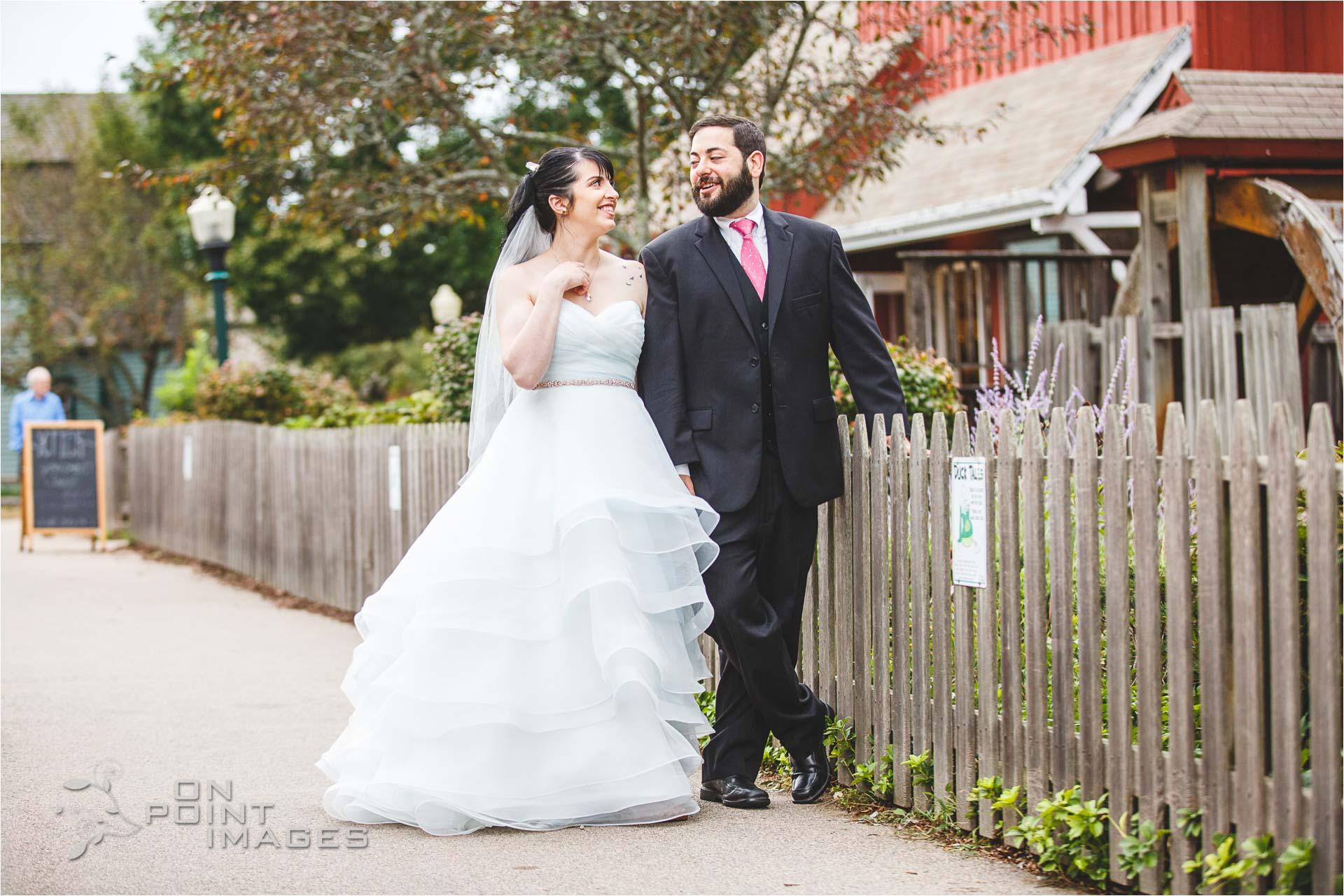 mystic-aquarium-wedding-photographs-09.jpg