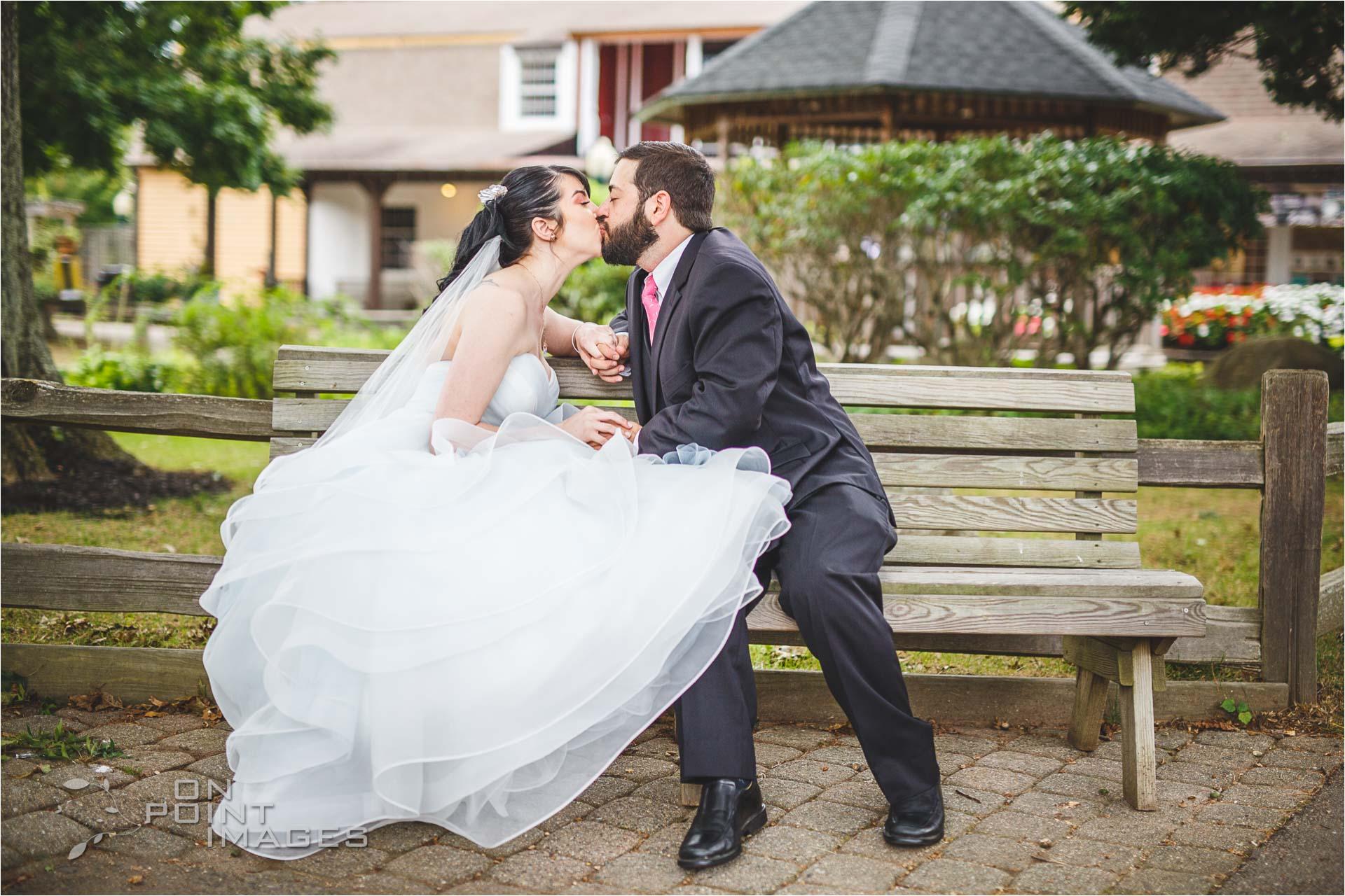 mystic-aquarium-wedding-photographs-10.jpg