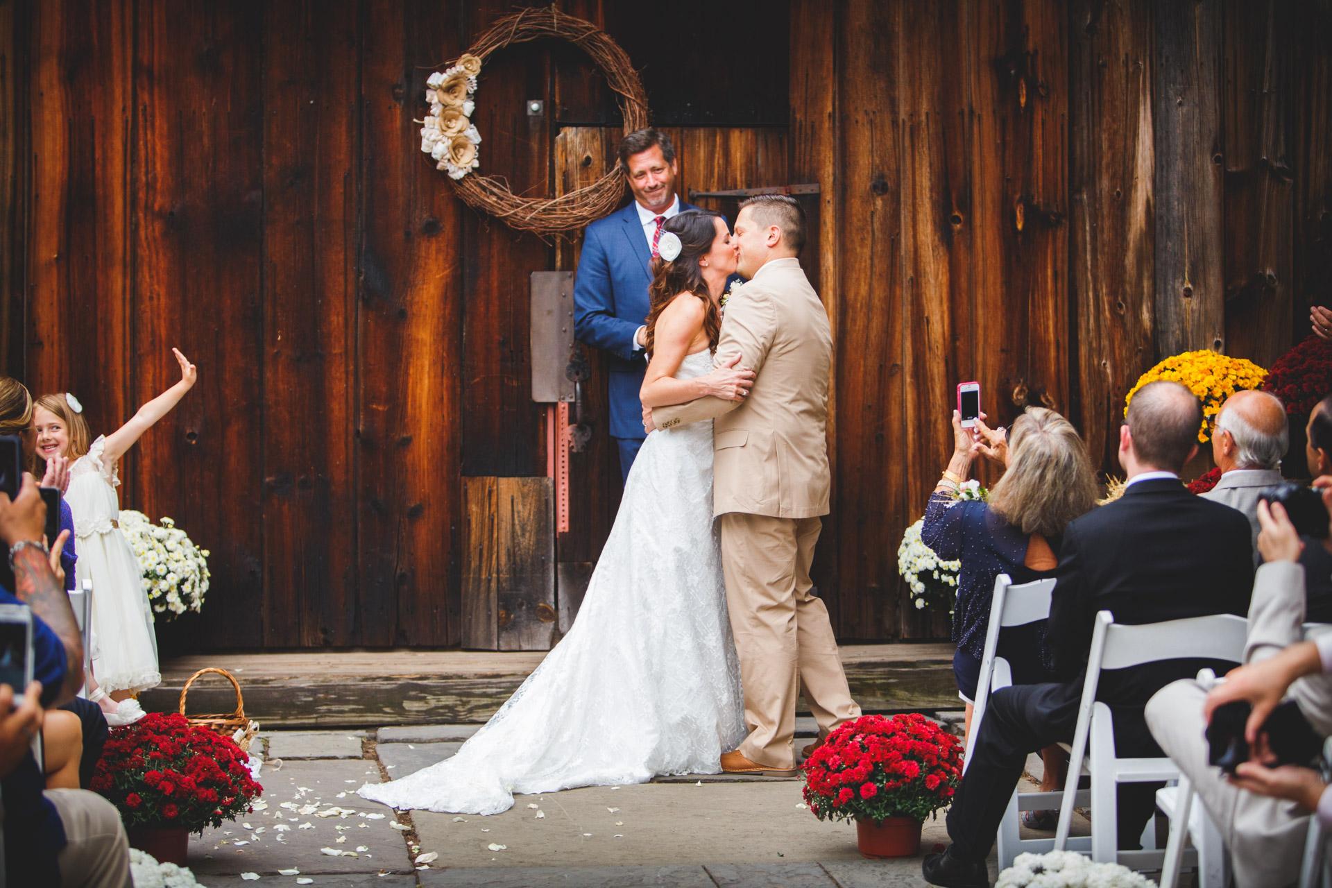 Wedding Photos at Webb Barn Wethersfield -19.jpg