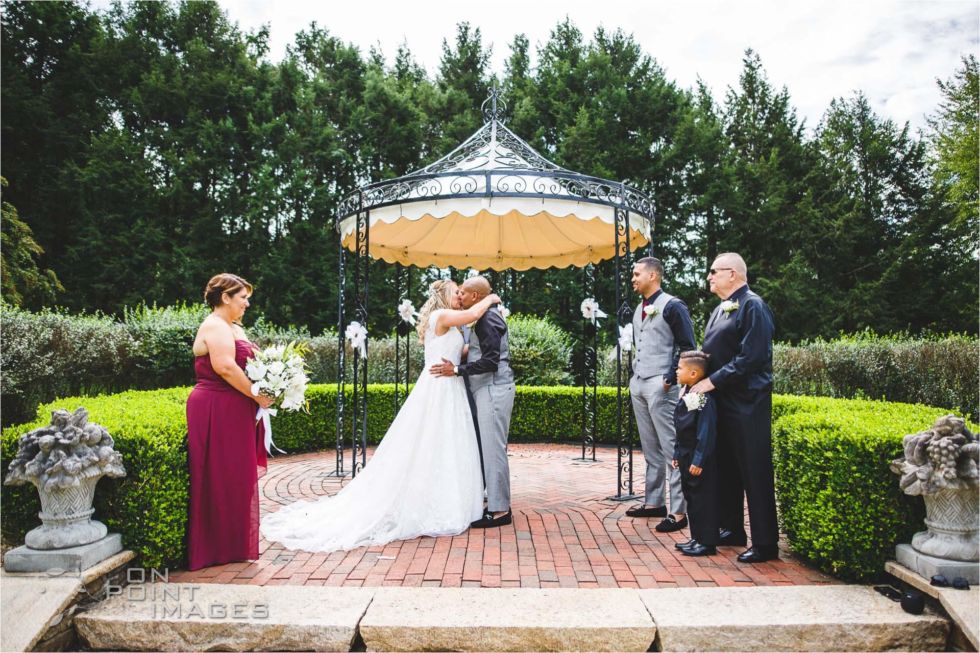 Wickham-Park-English-Garden-Wedding-Images-10.jpg