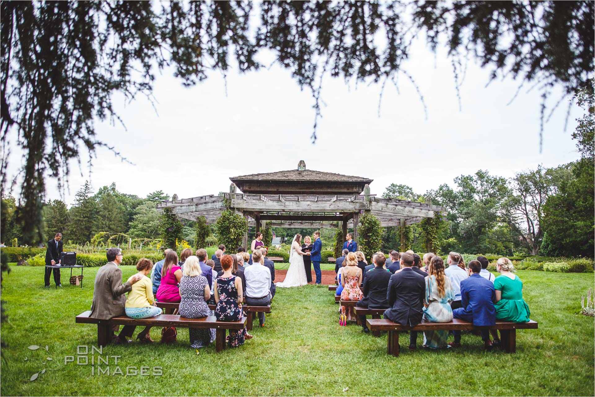 hartford-pond-house-cafe-wedding-21.jpg
