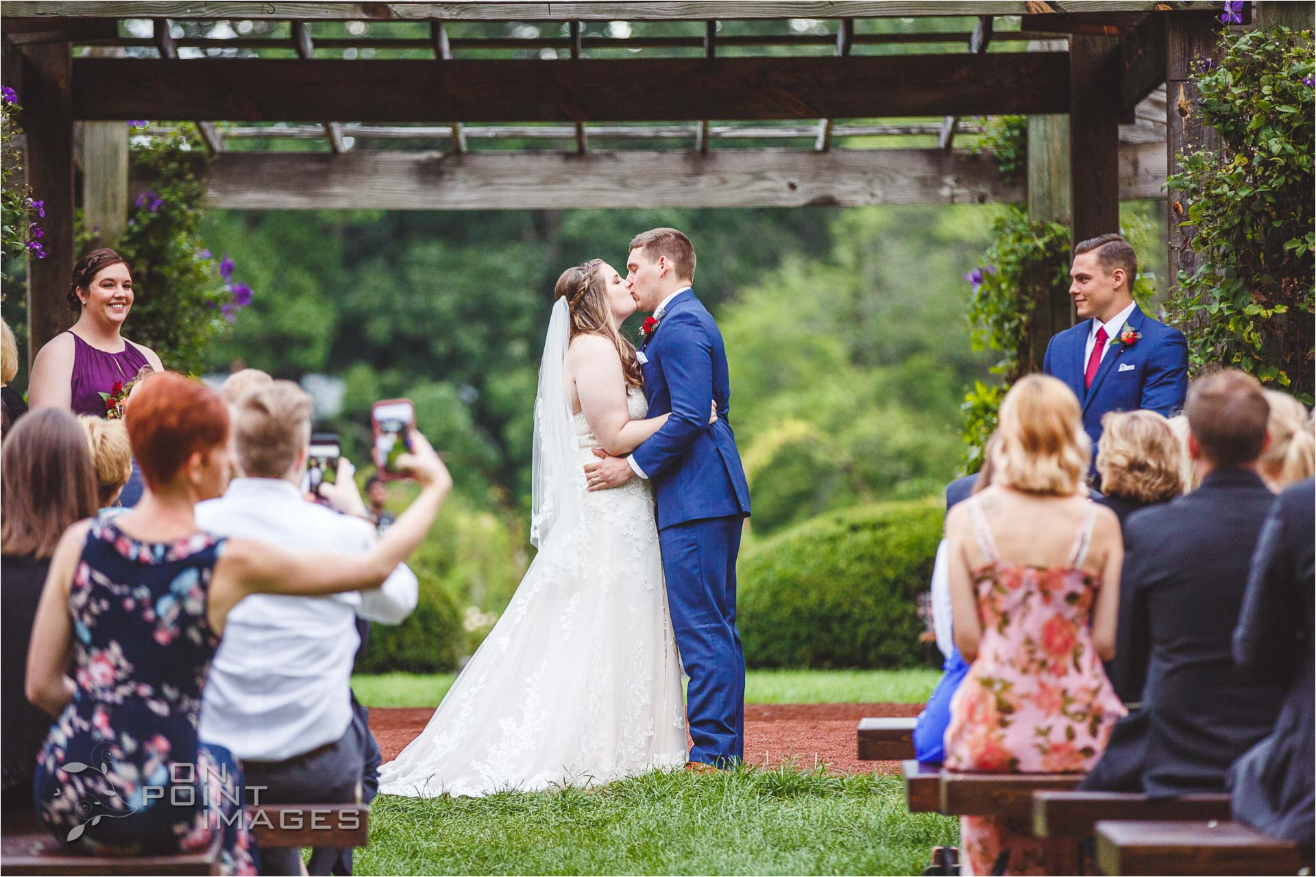 hartford-pond-house-cafe-wedding-24.jpg