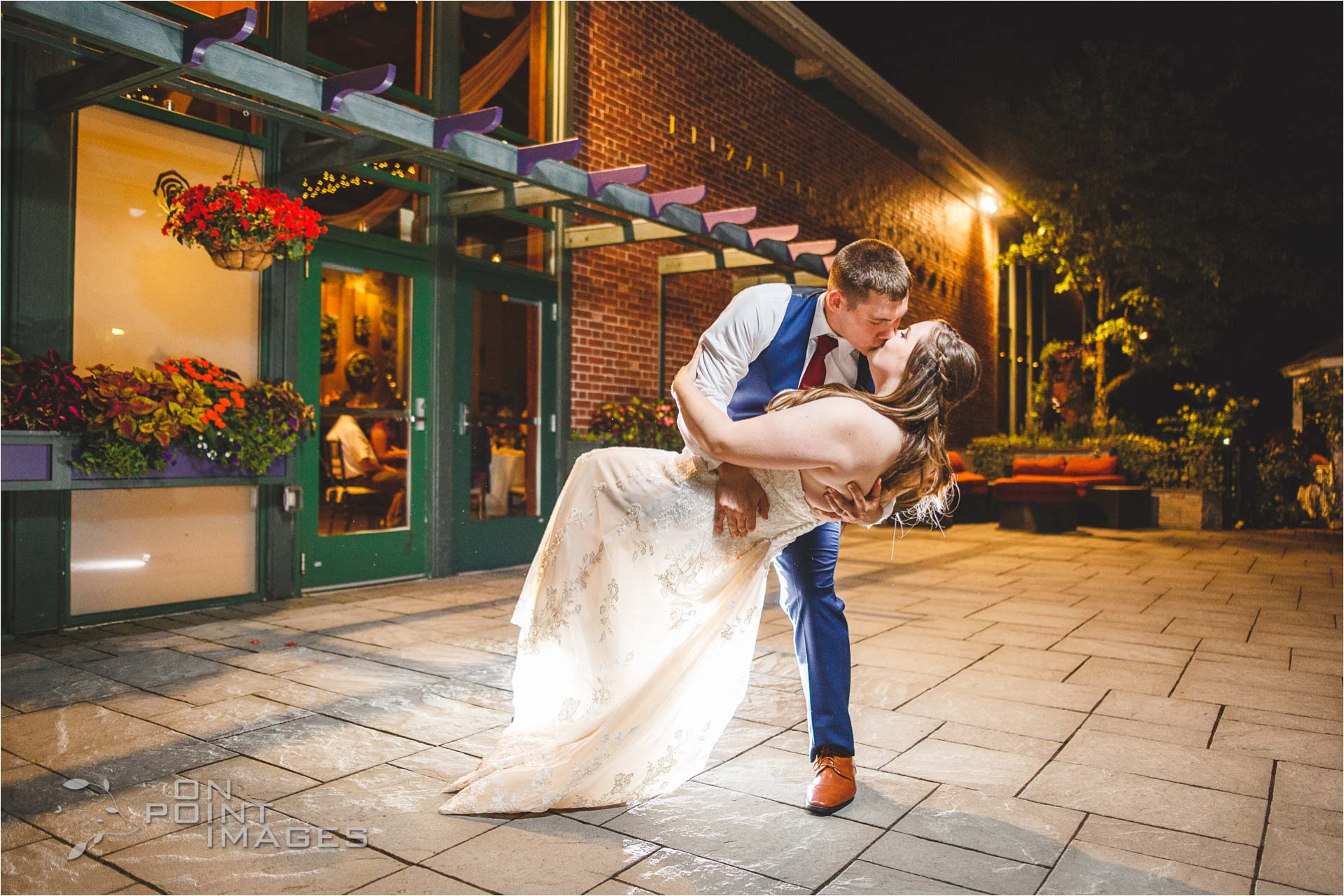 hartford-pond-house-cafe-wedding-43.jpg