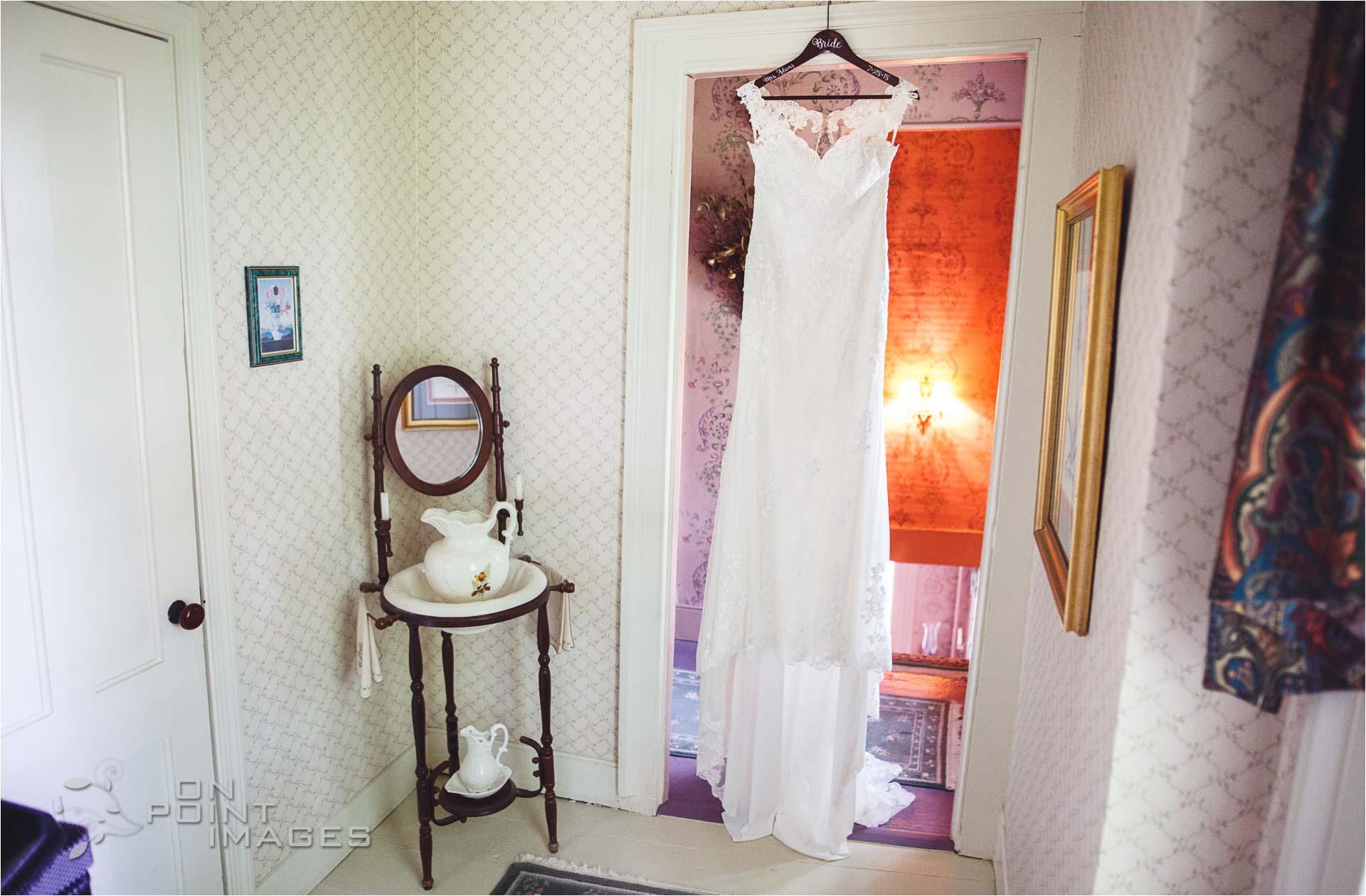 Webb-Barn-Wedding-Photographer-06.jpg