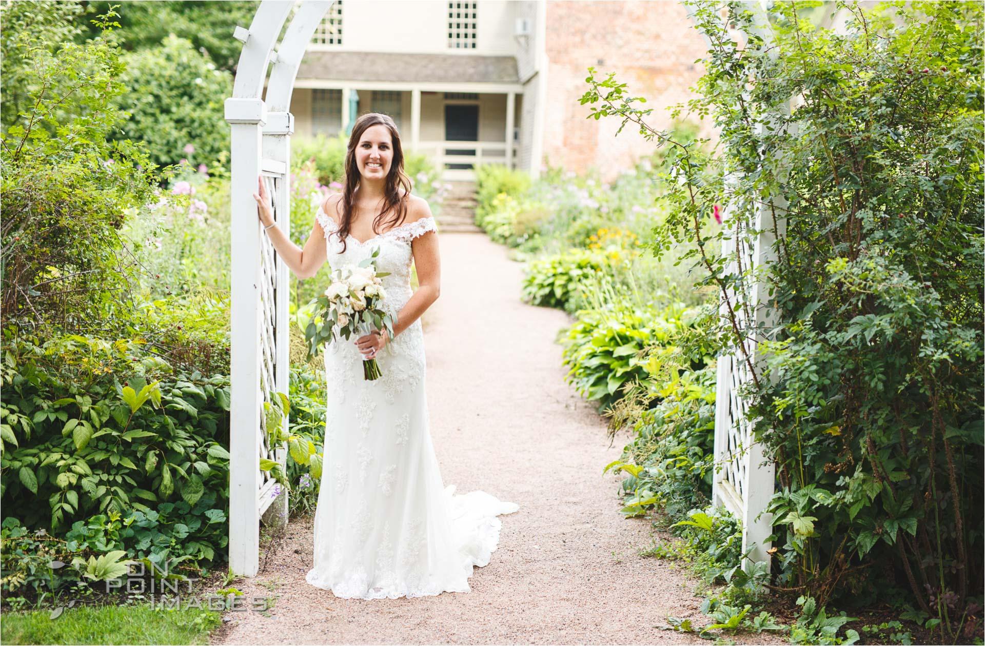 Webb-Barn-Wedding-Photographer-25.jpg
