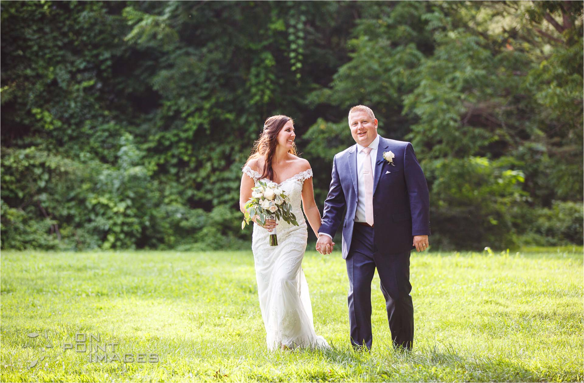Webb-Barn-Wedding-Photographer-26.jpg