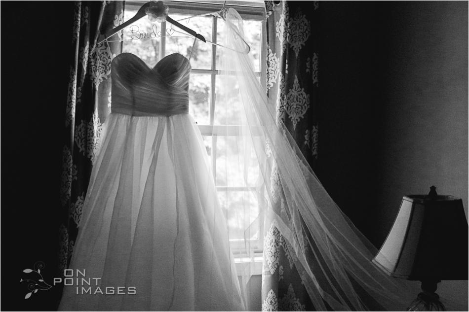 aria-summer-wedding-photographers-ct-07.jpg