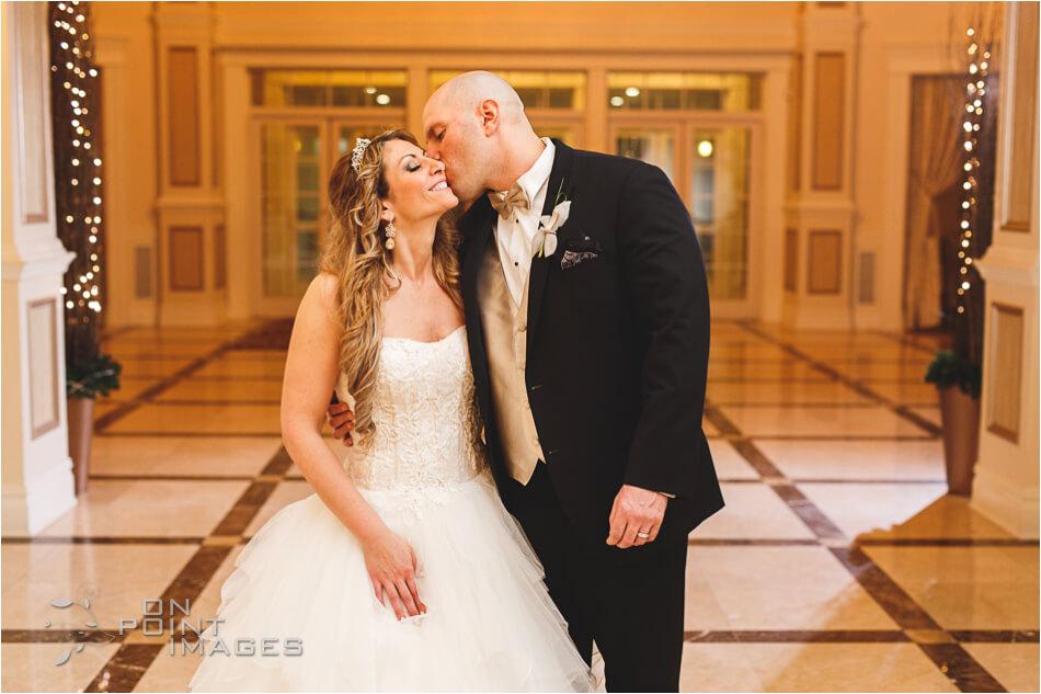aria-winter-wedding-photographs-27.jpg