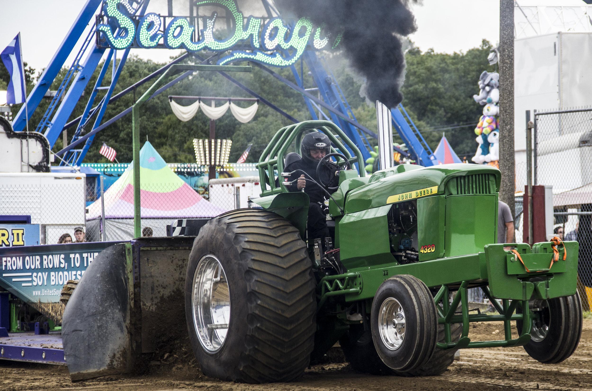Tractor Pull.jpg