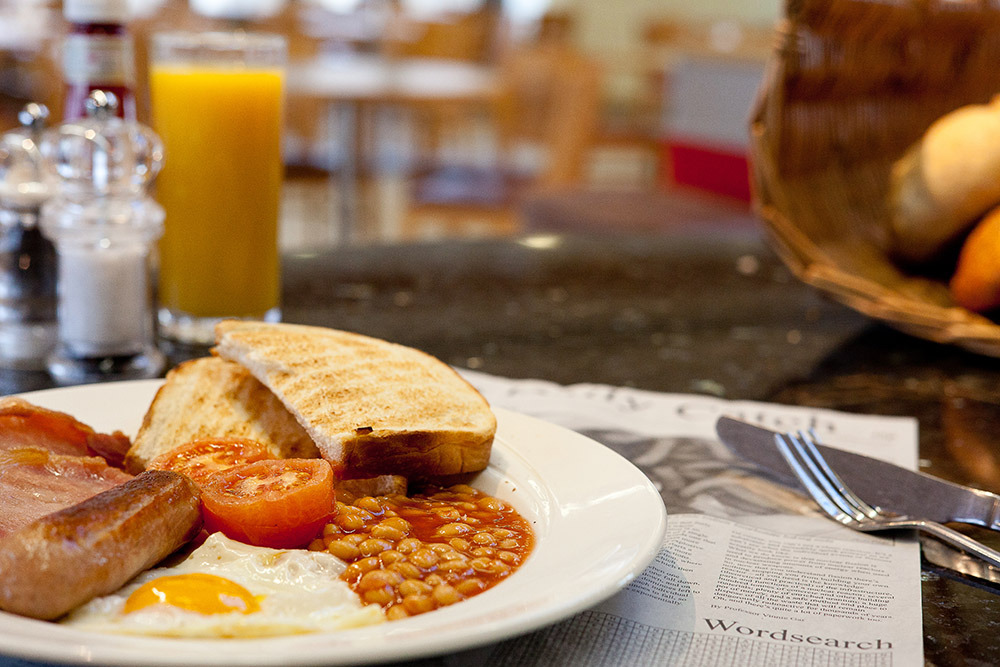 Full English Breakfast for only £4.75 - Enjoy a freshly cooked English breakfast consisting of 2 slices of back bacon, sausage,free range egg poached or fried, fresh tomato or beans and bloomer toast for only £4.75Available Monday to Friday, until 11.30am