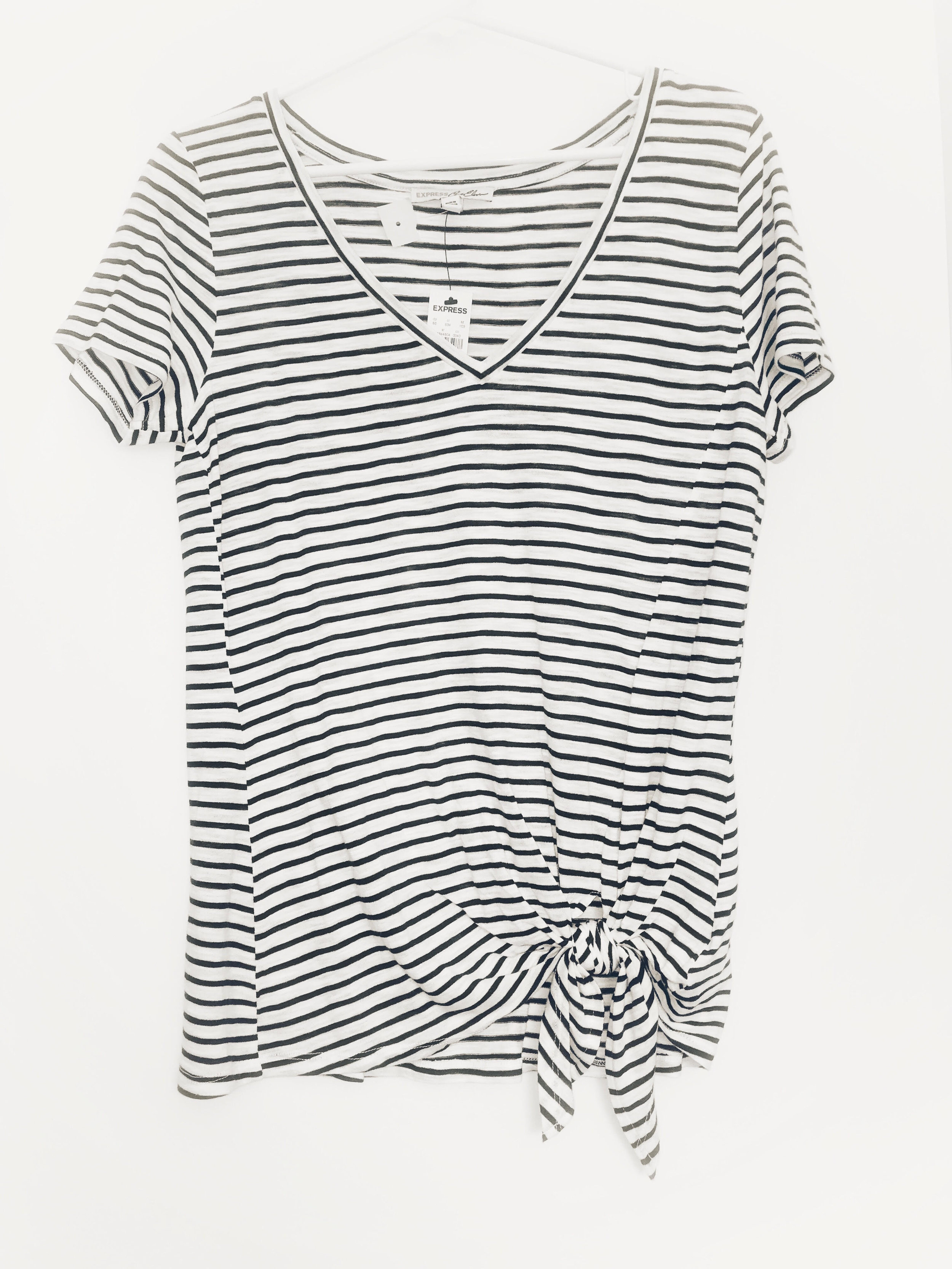 2. Nautical T-shirt - Another beach trip gem found second-hand (and with the original tags on it!).Price: $11Second Chance Consignment Shop (Express brand, $29.99 originally)
