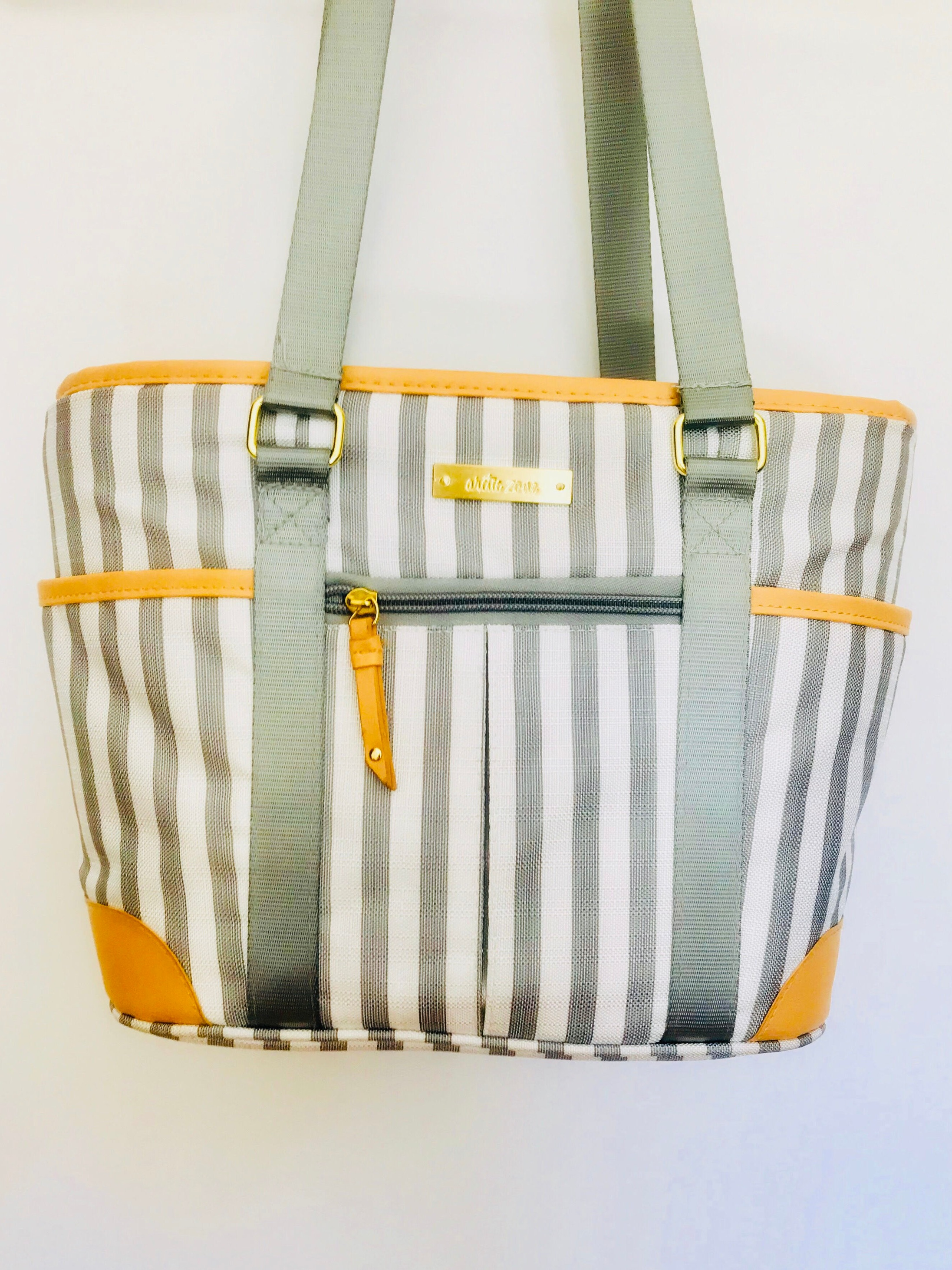 5. Cooler Bag - Cooler for packing drinks/snacks for the beach, which will also double as my new work lunchbox & looks like a purse!Price: $16Sam's Club